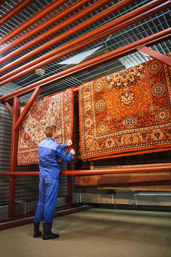 asciugatura di un tappeto lavato